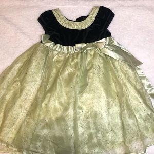 Beautiful Green Dress 5t